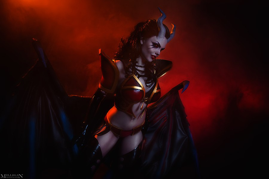 ufifa16coins - Enchanting Queen of Pain Cosplay by Milligan