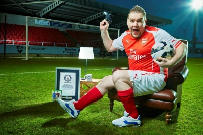 Arsenal fan smashes world record by playing FIFA 15 for almost 48 HOURS
