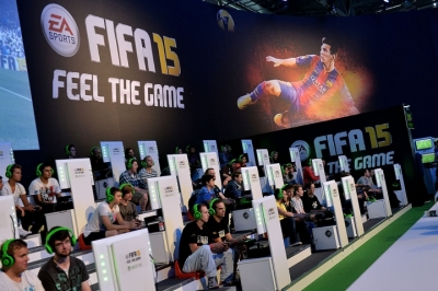 'FIFA 16' Ultimate Team Mode Glitch To Be Fixed With Patch
